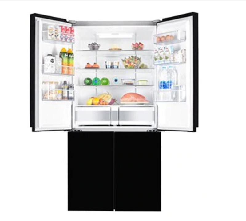 Tủ lạnh Electrolux inverter 695 lít EQE6909A - BVN rộng rãi